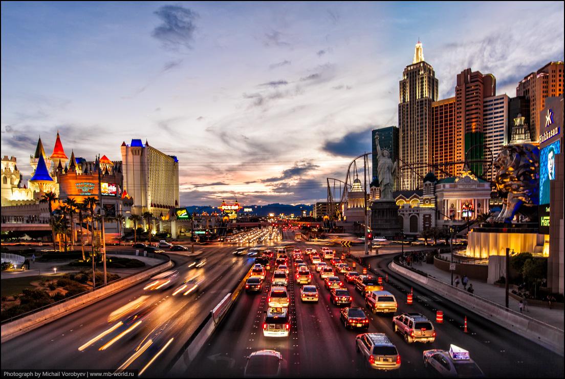 Трафик на улице Лас-Вегаса